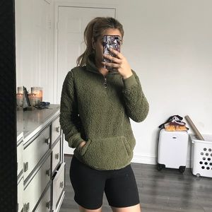 Sweaters - Olive faux fur pullover sweater